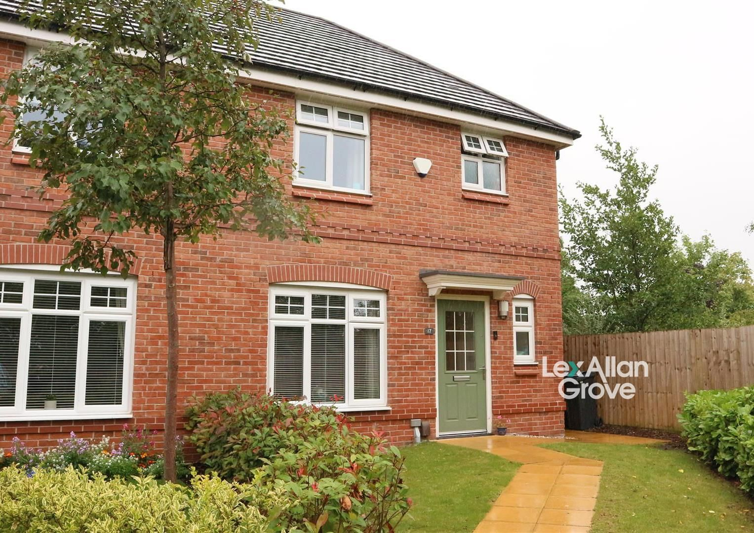 3 bed semi-detached for sale, B64