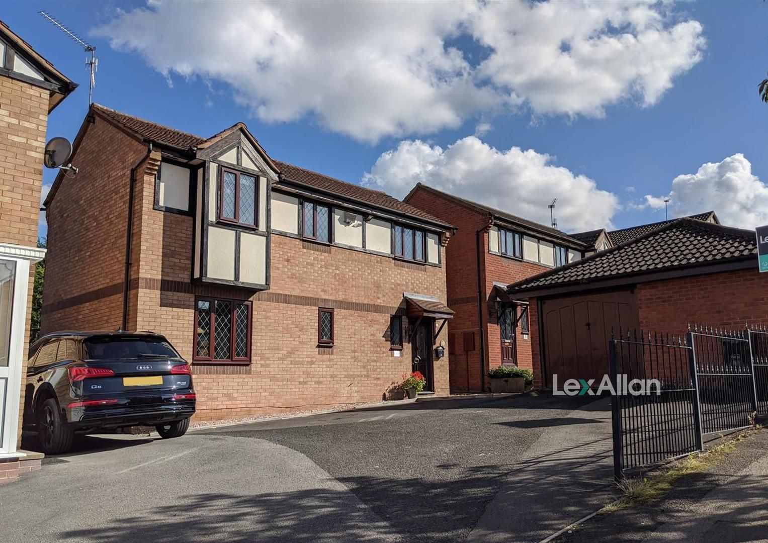3 bed detached for sale in Amblecote, DY8