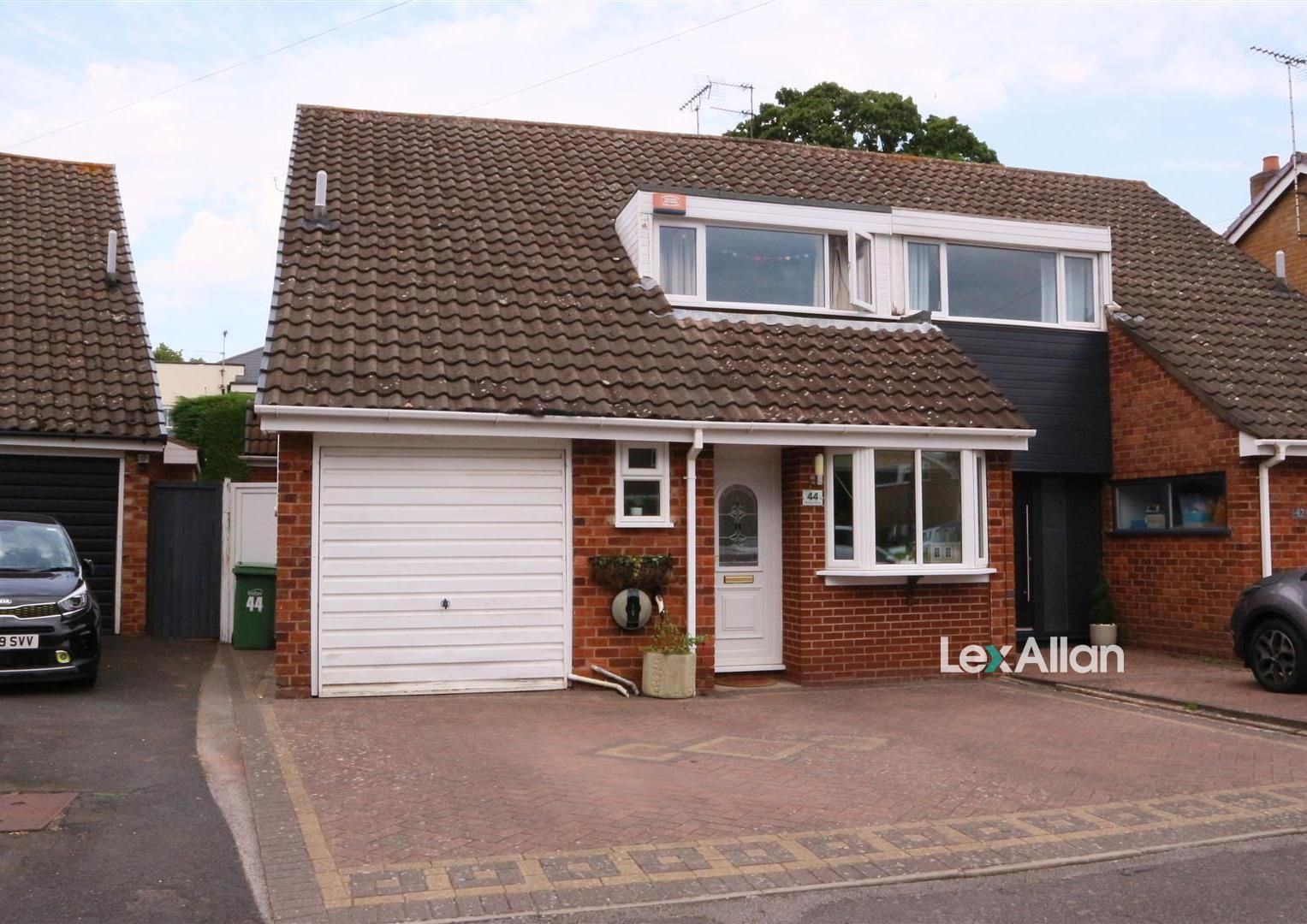 3 bed semi-detached for sale, DY9