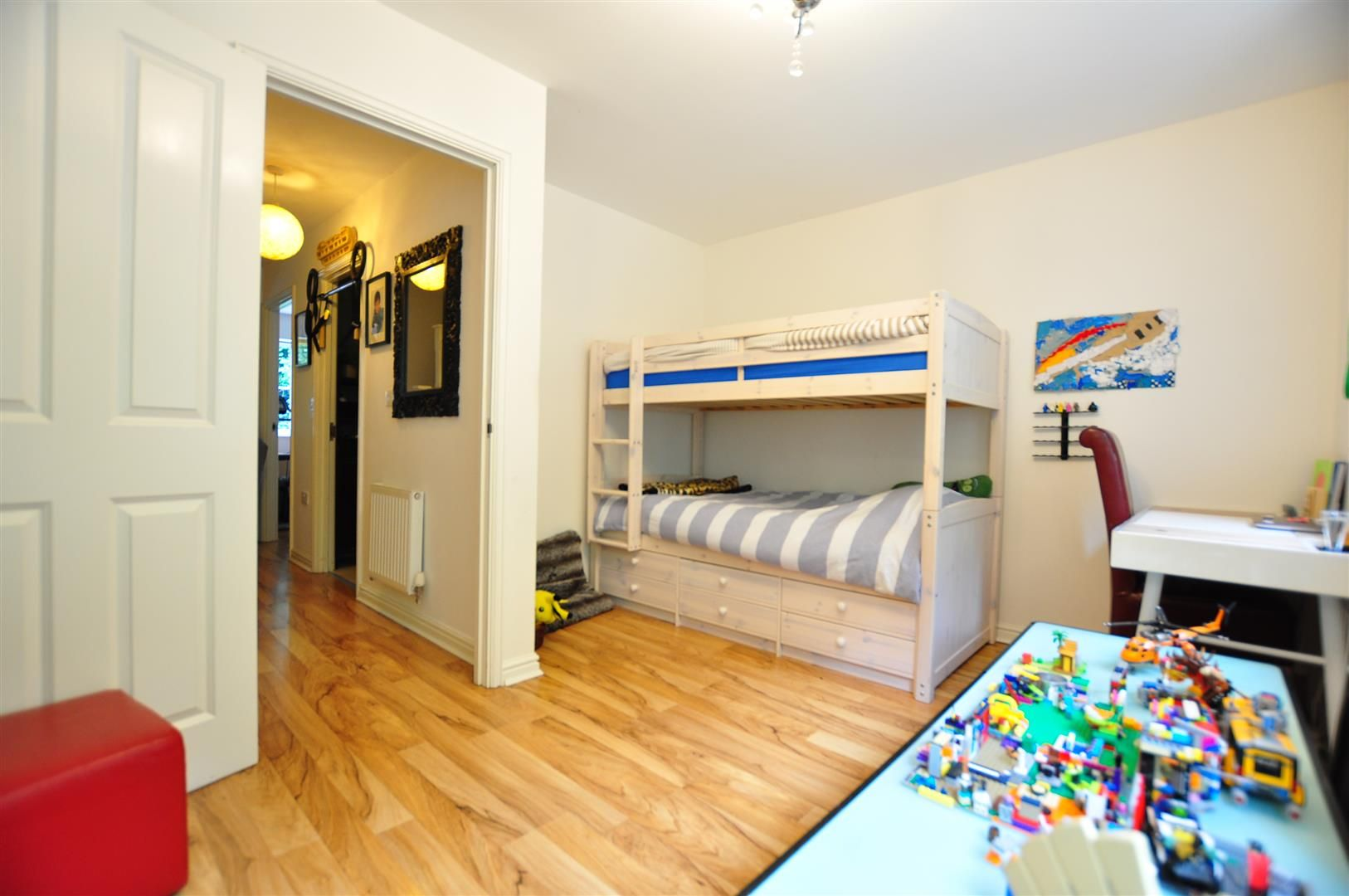 4 bed end-of-terrace for sale 11
