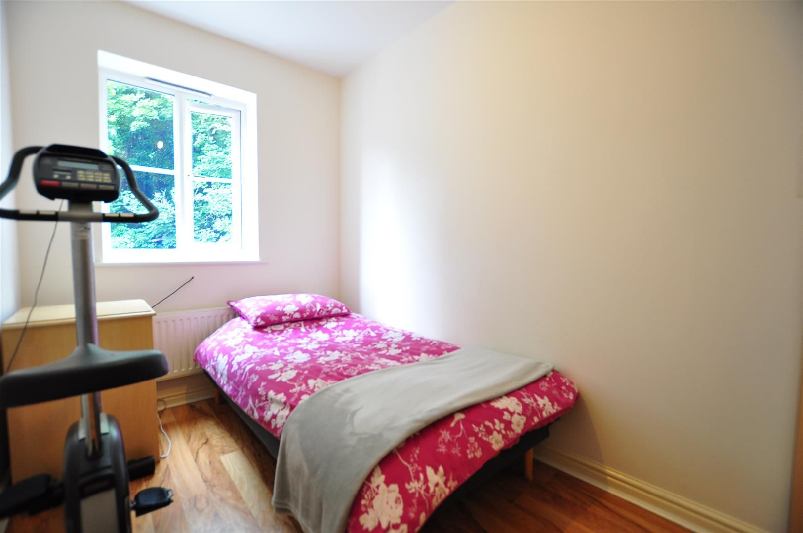 4 bed end-of-terrace for sale  - Property Image 14