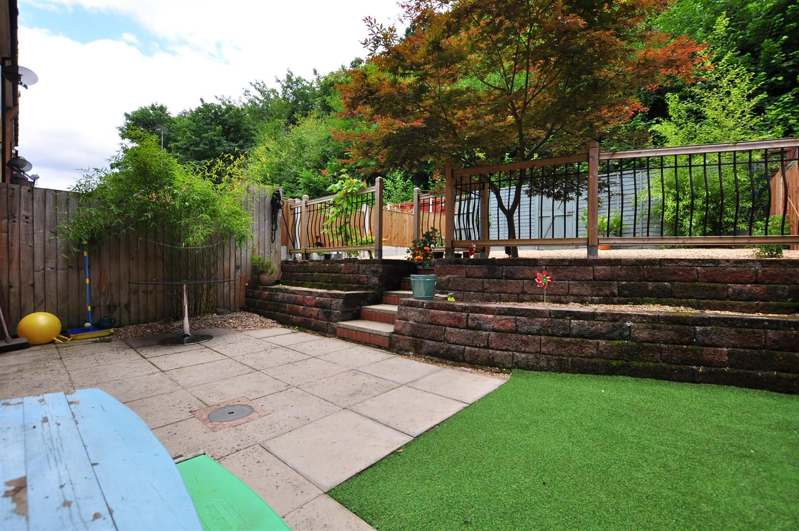 4 bed end-of-terrace for sale 17