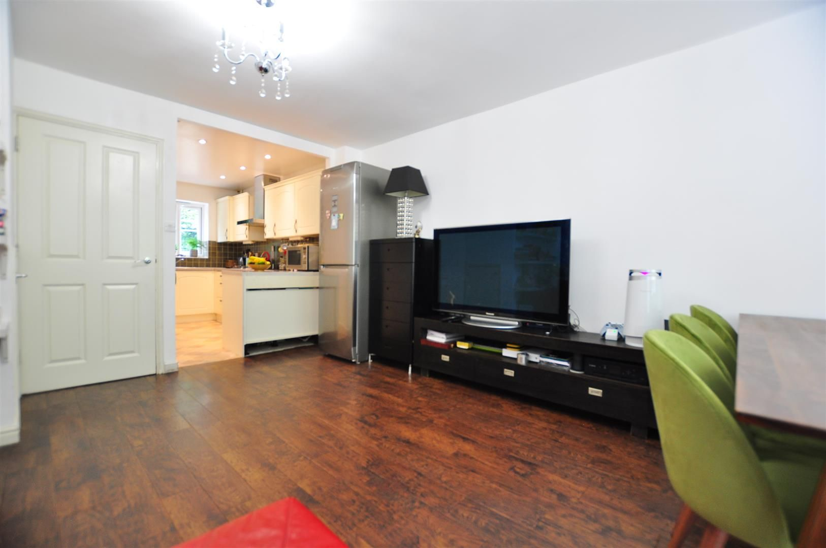 4 bed end-of-terrace for sale 4