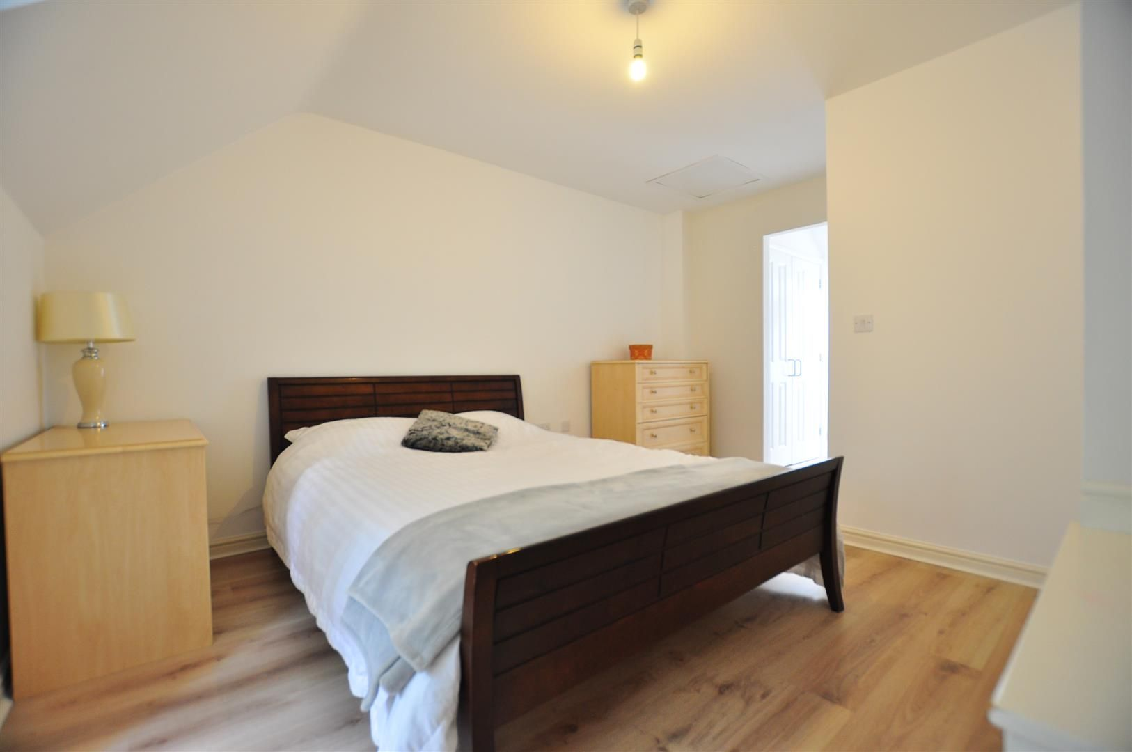 4 bed end-of-terrace for sale  - Property Image 6