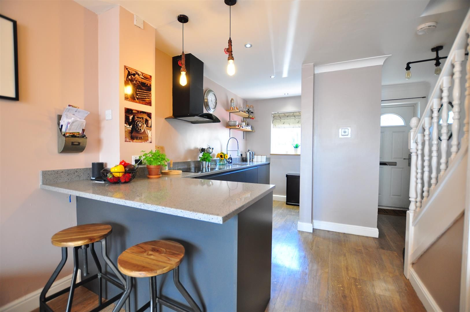 2 bed end-of-terrace for sale 2