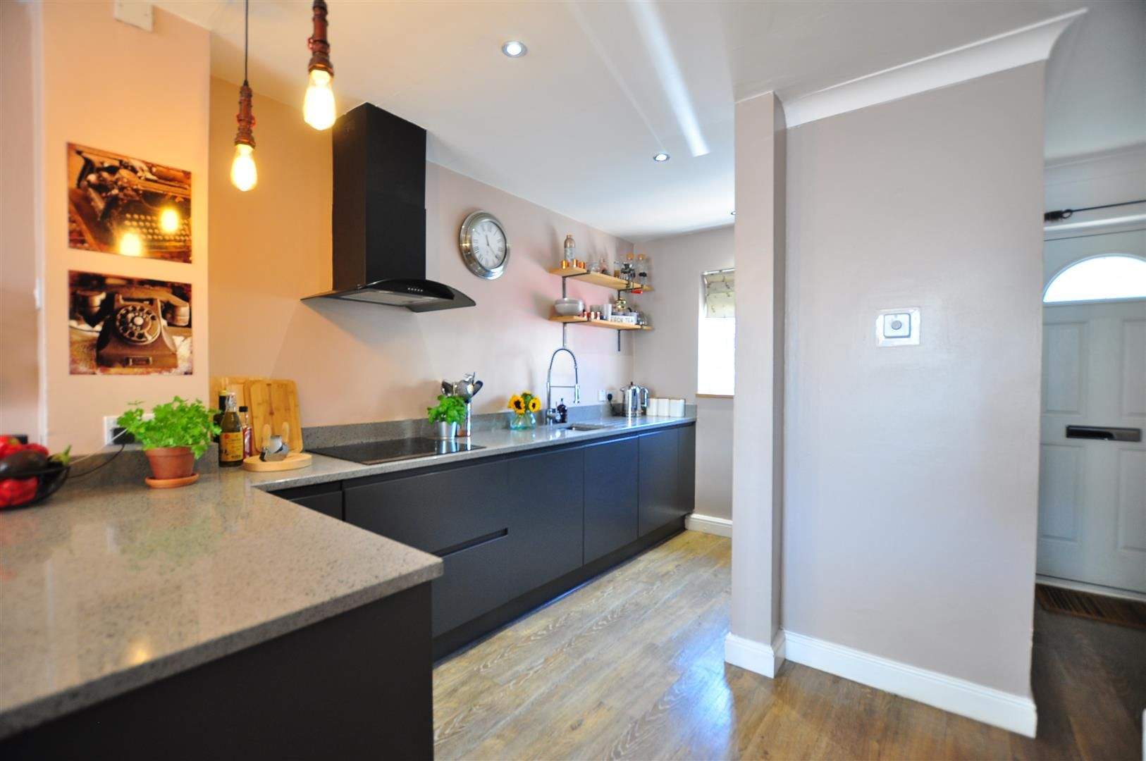 2 bed end-of-terrace for sale  - Property Image 4