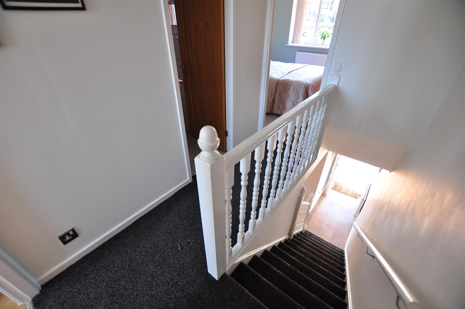 2 bed end-of-terrace for sale 9
