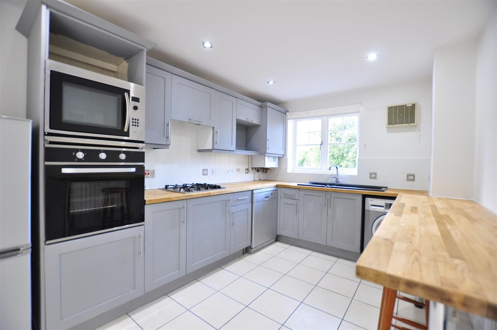 3 bed town-house for sale 5