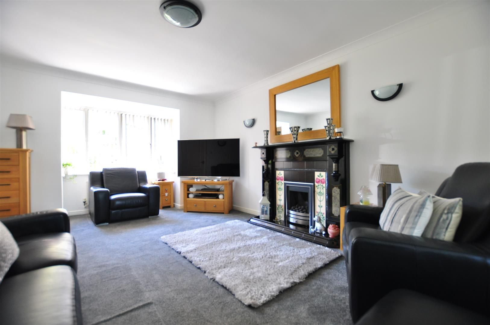 4 bed detached for sale 3