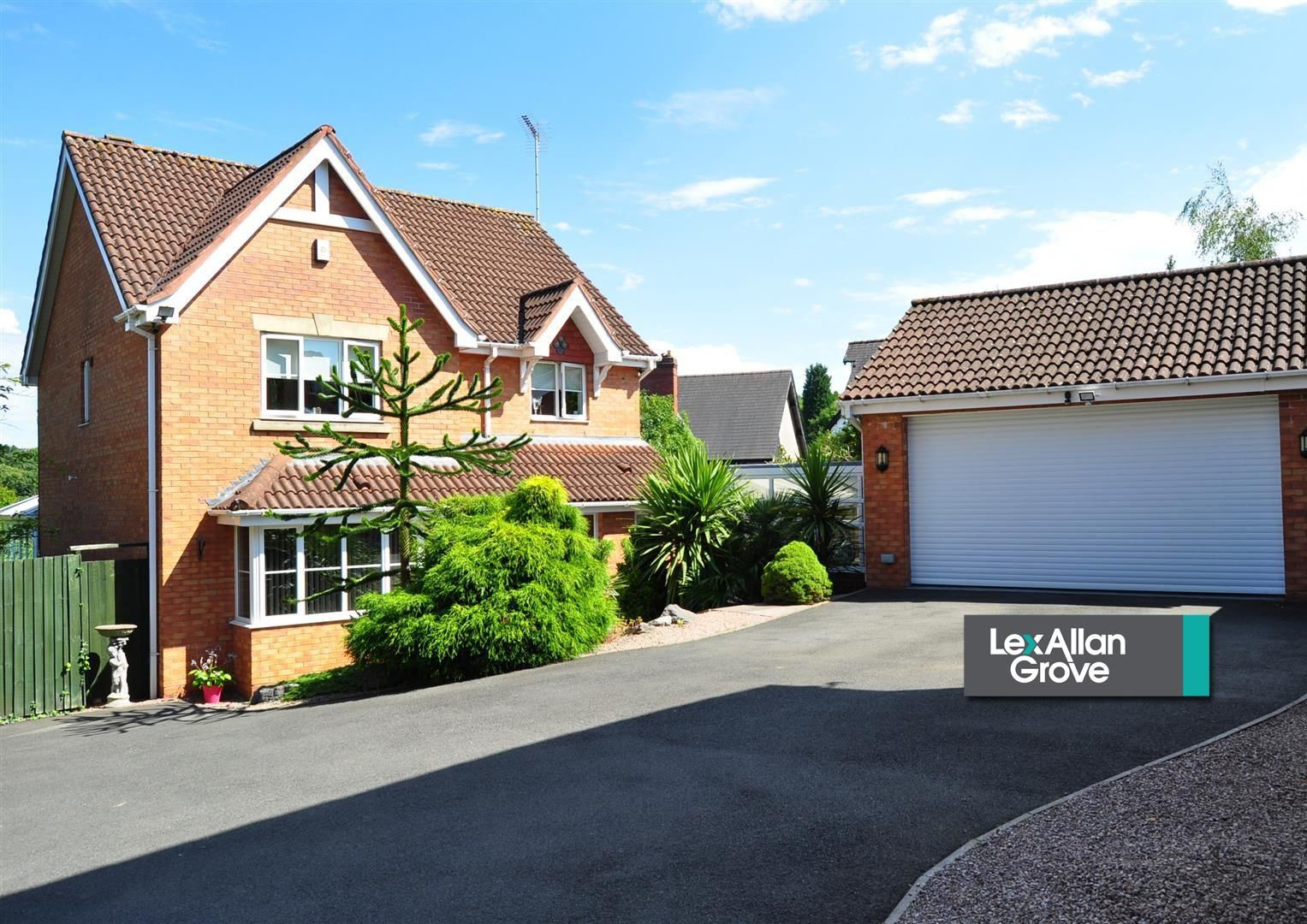 4 bed detached for sale 34
