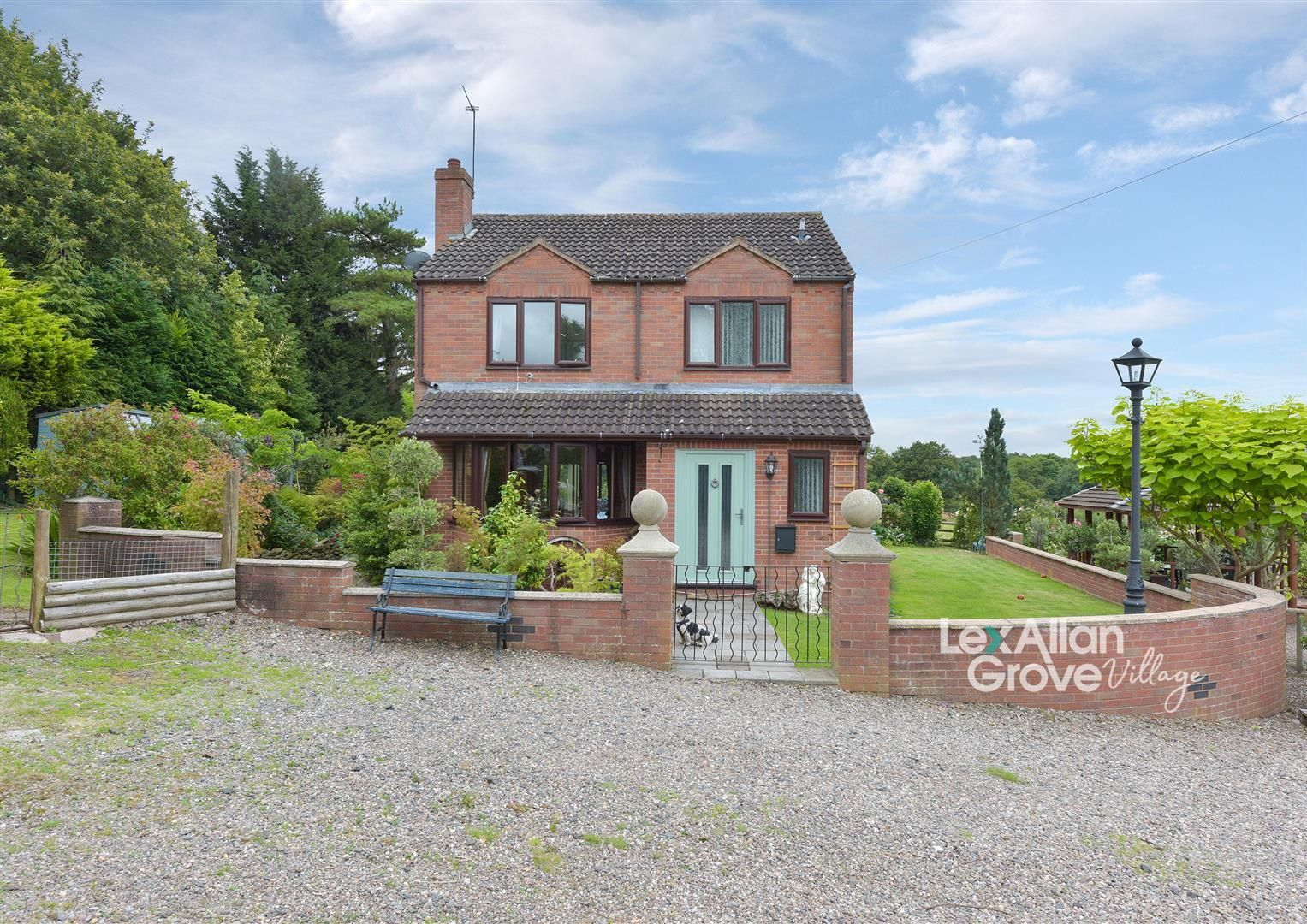 3 bed detached for sale in Kinlet, DY12