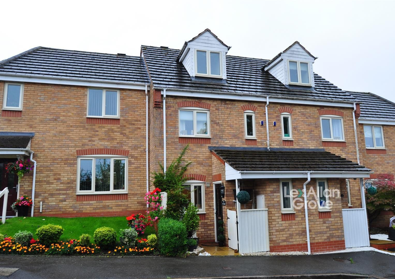 3 bed town-house for sale, B63