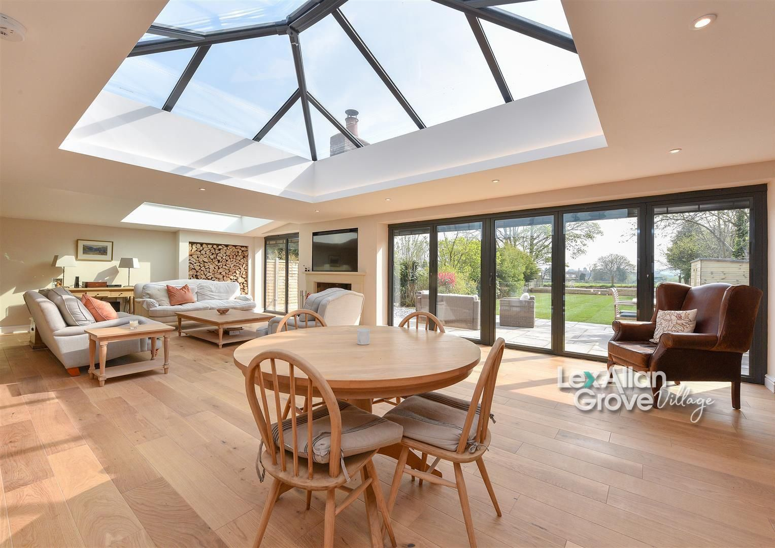 4 bed semi-detached for sale in Hagley, DY8