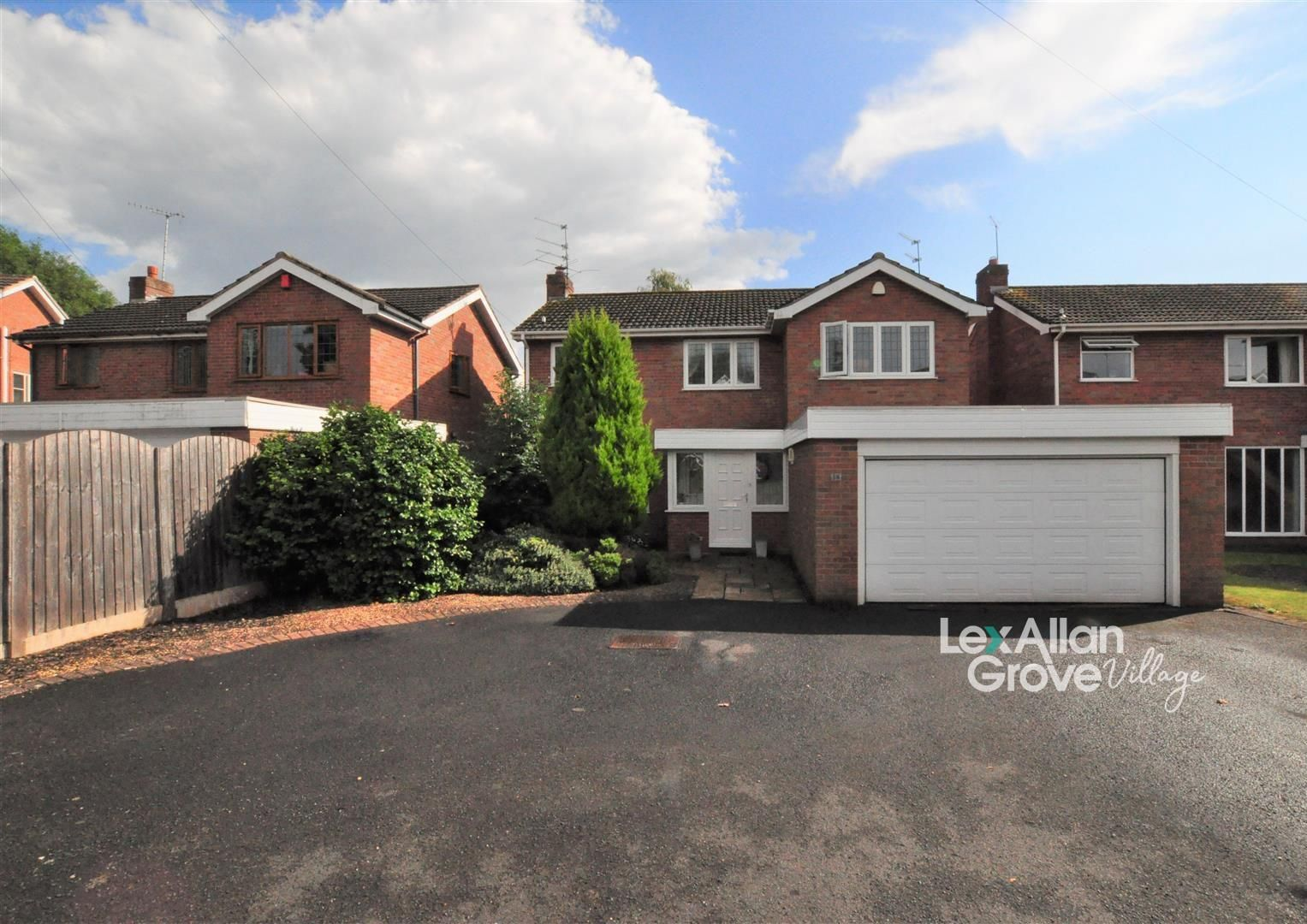 4 bed house for sale in Hagley 30