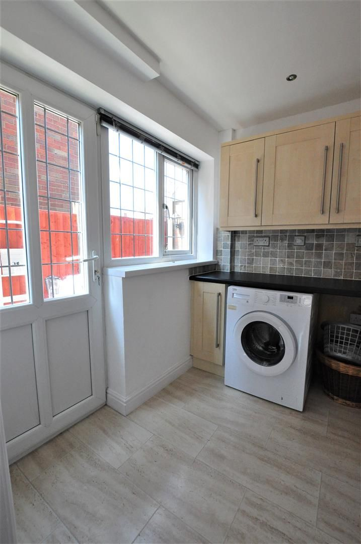 4 bed house for sale in Hagley 10