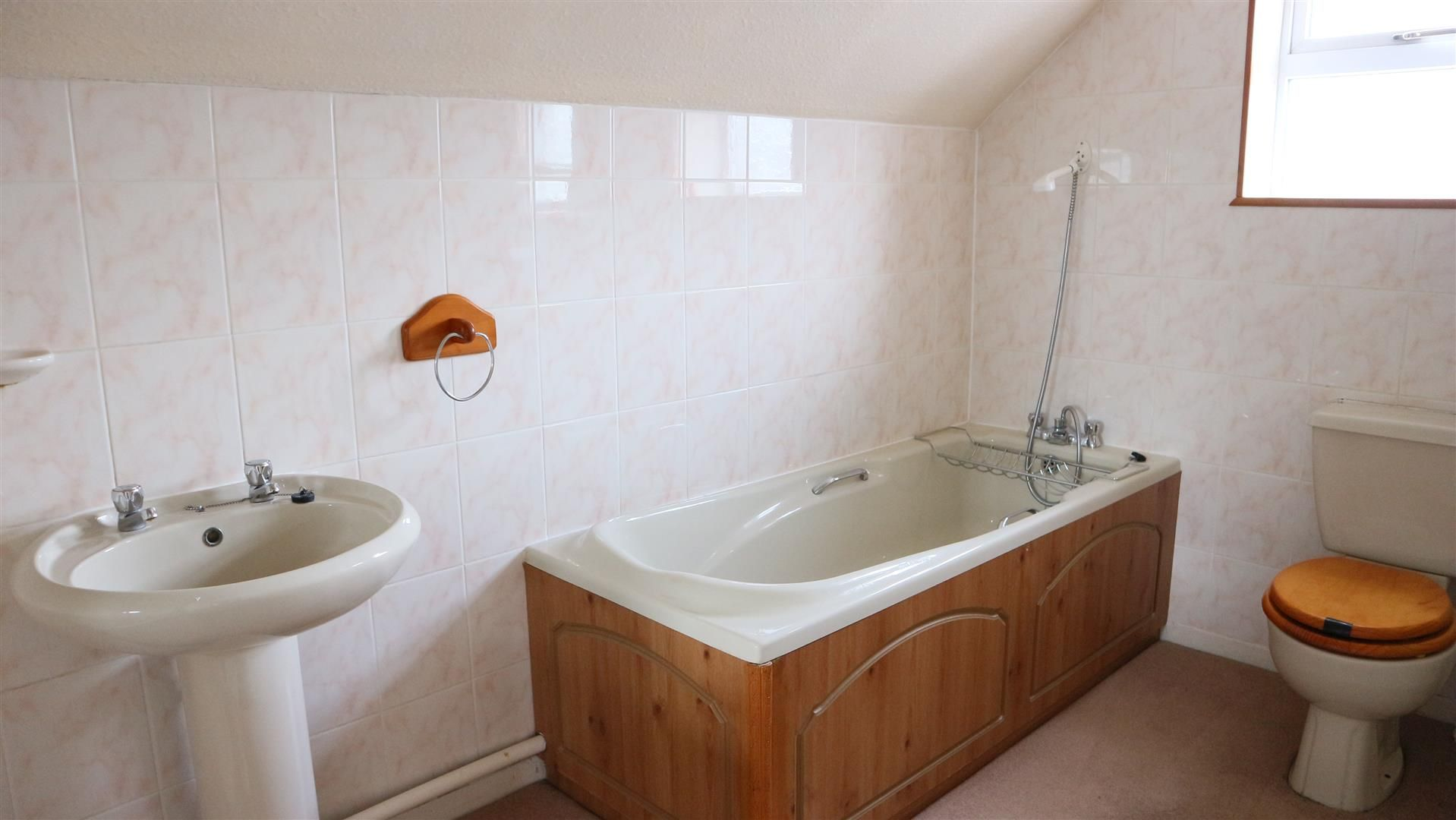 3 bed semi-detached for sale in Norton 16