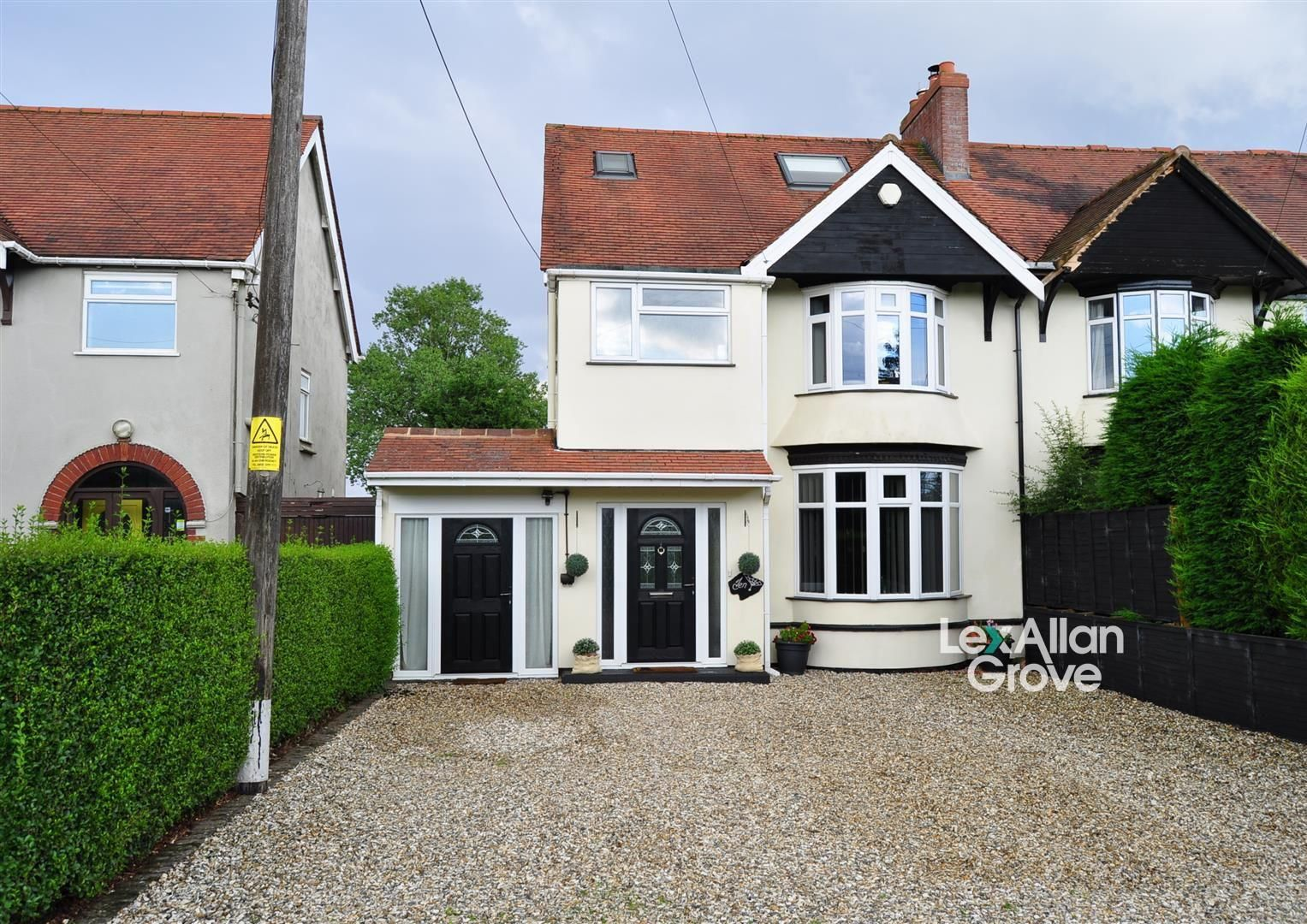 4 bed semi-detached for sale in Romsley, B62