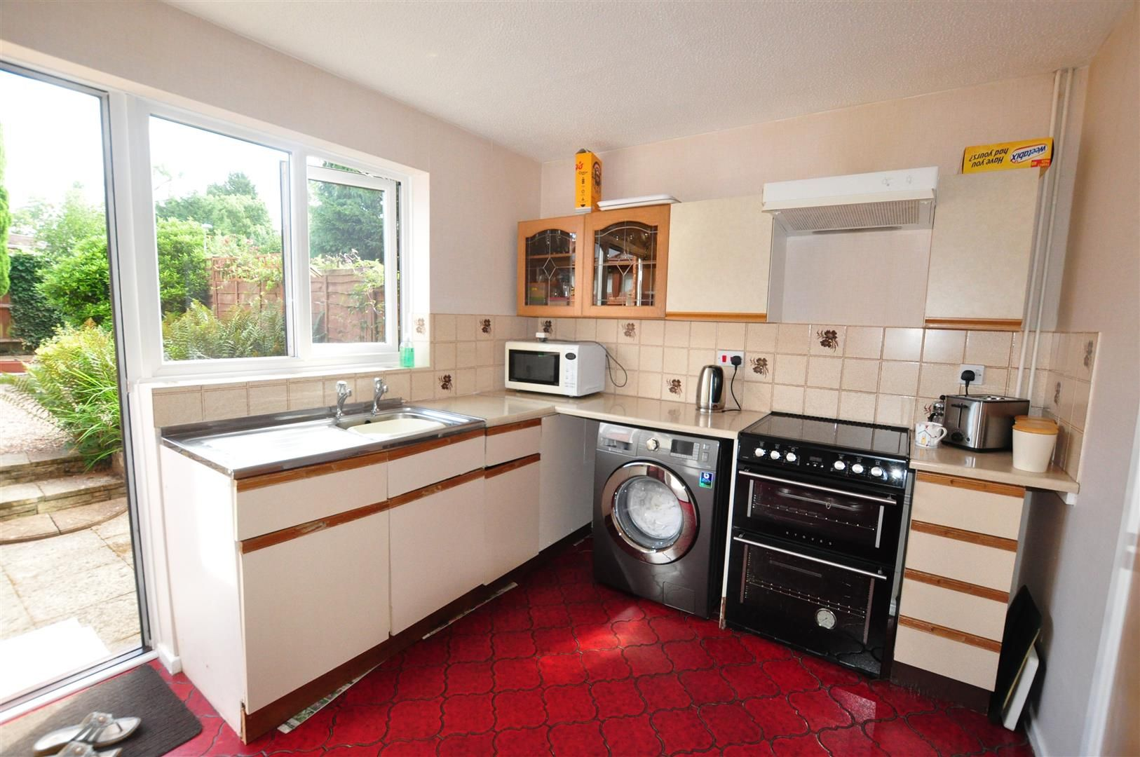 2 bed terraced for sale in Belbroughton 3