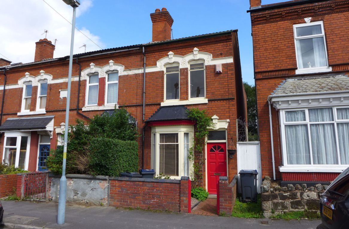 3 bed  to rent, B14