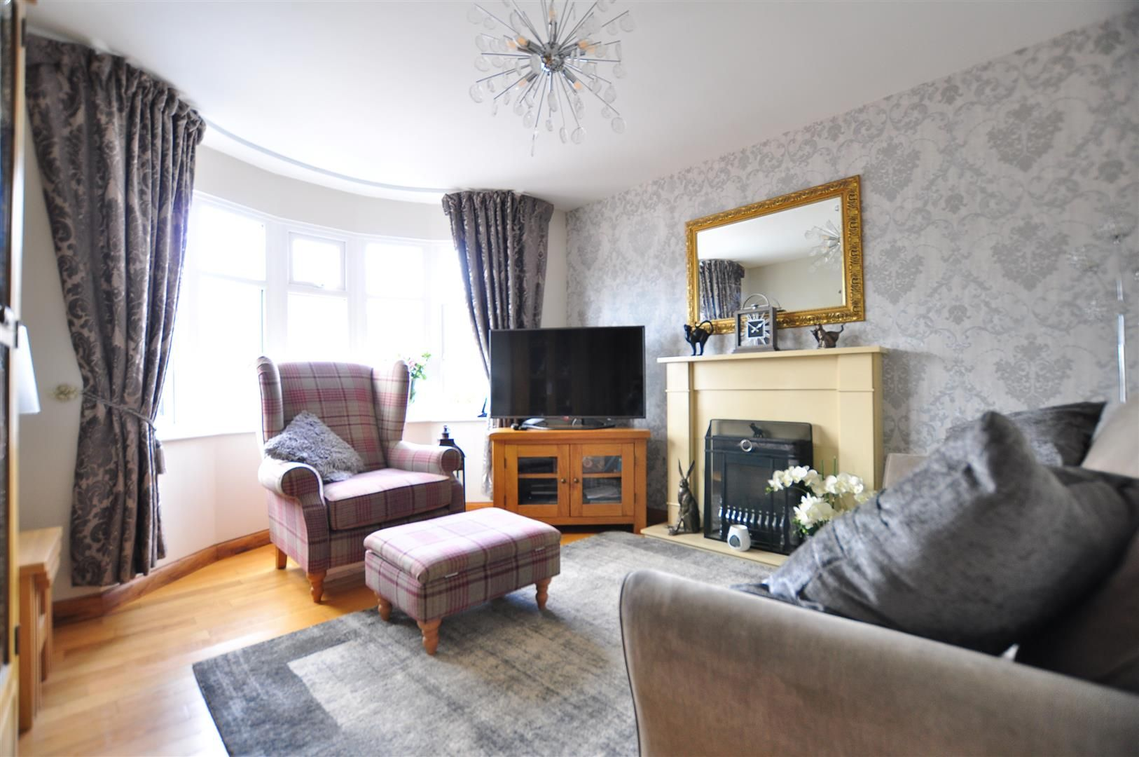 3 bed detached for sale  - Property Image 2