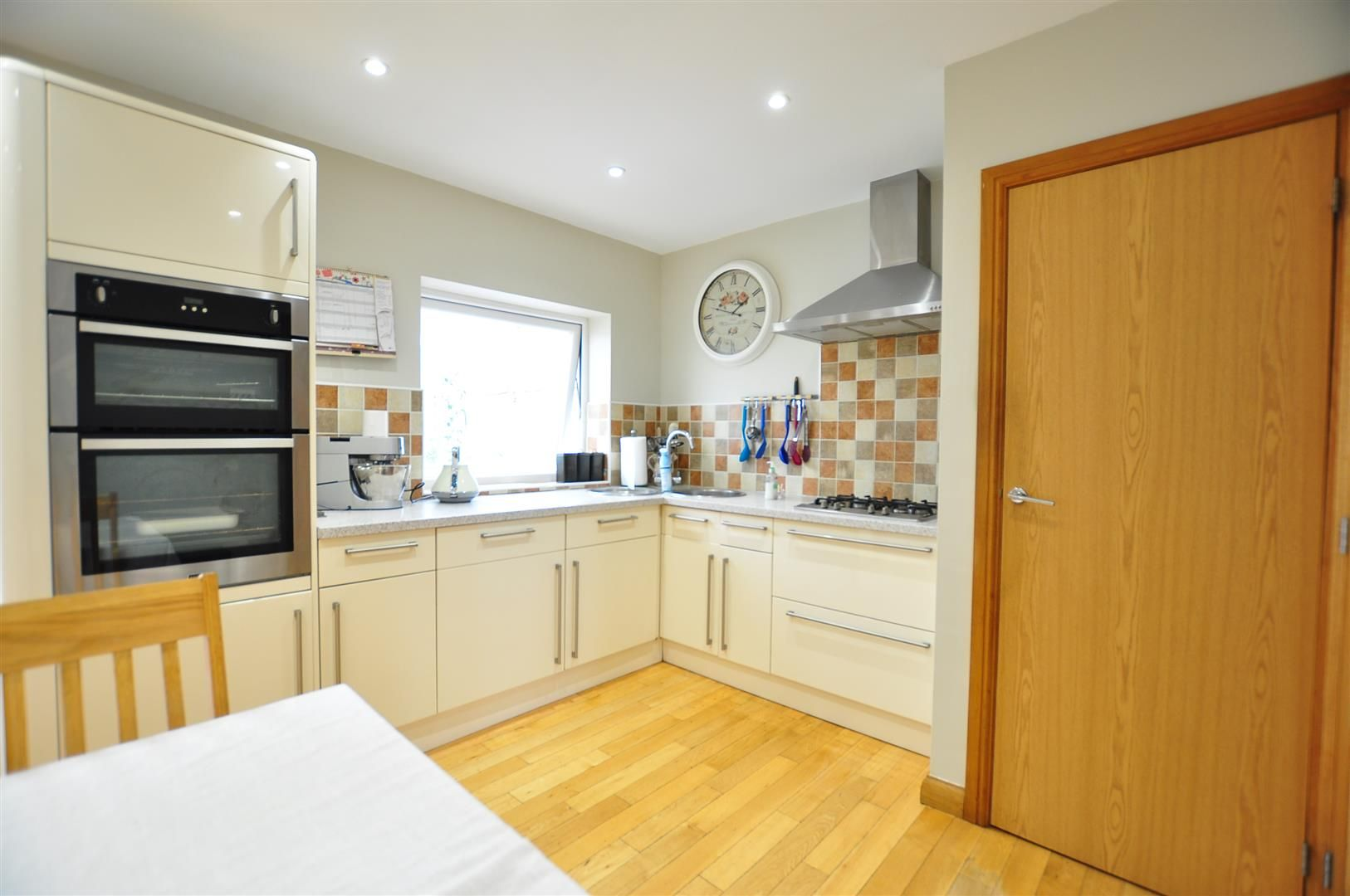 3 bed detached for sale  - Property Image 4