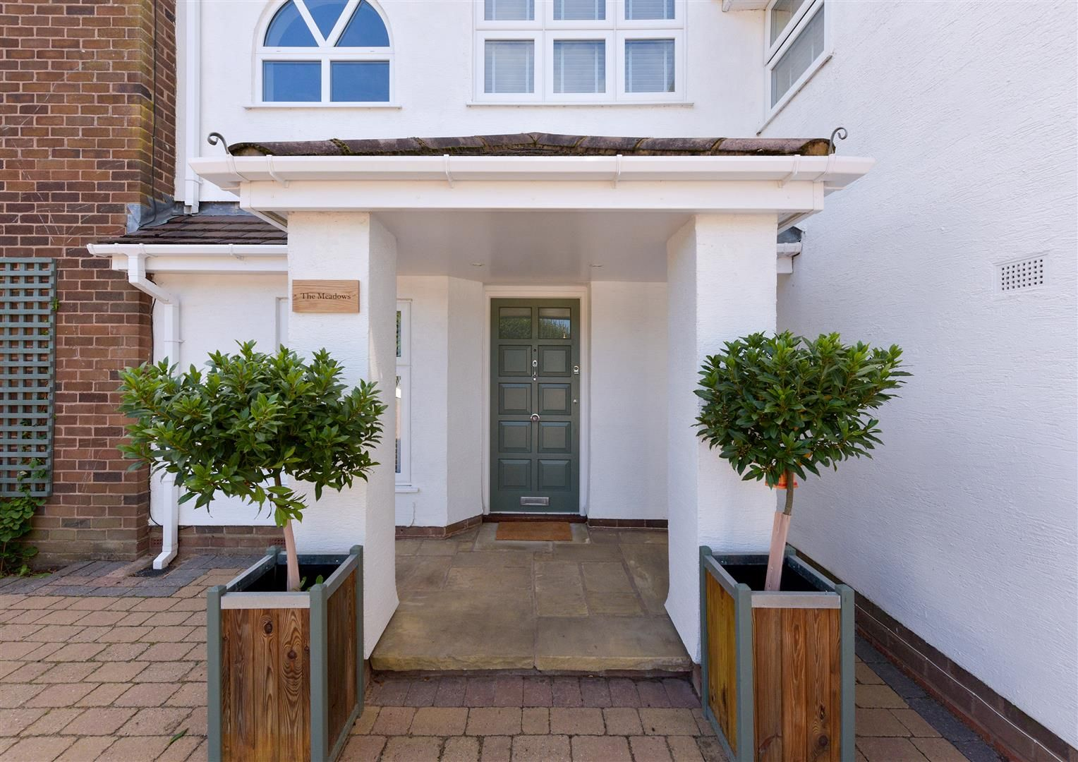 6 bed detached for sale in Hagley 2