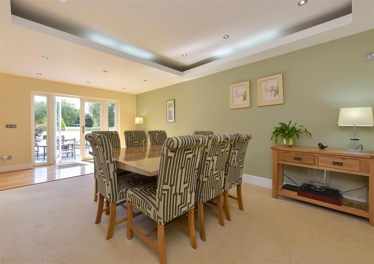 6 bed detached for sale in Hagley 11