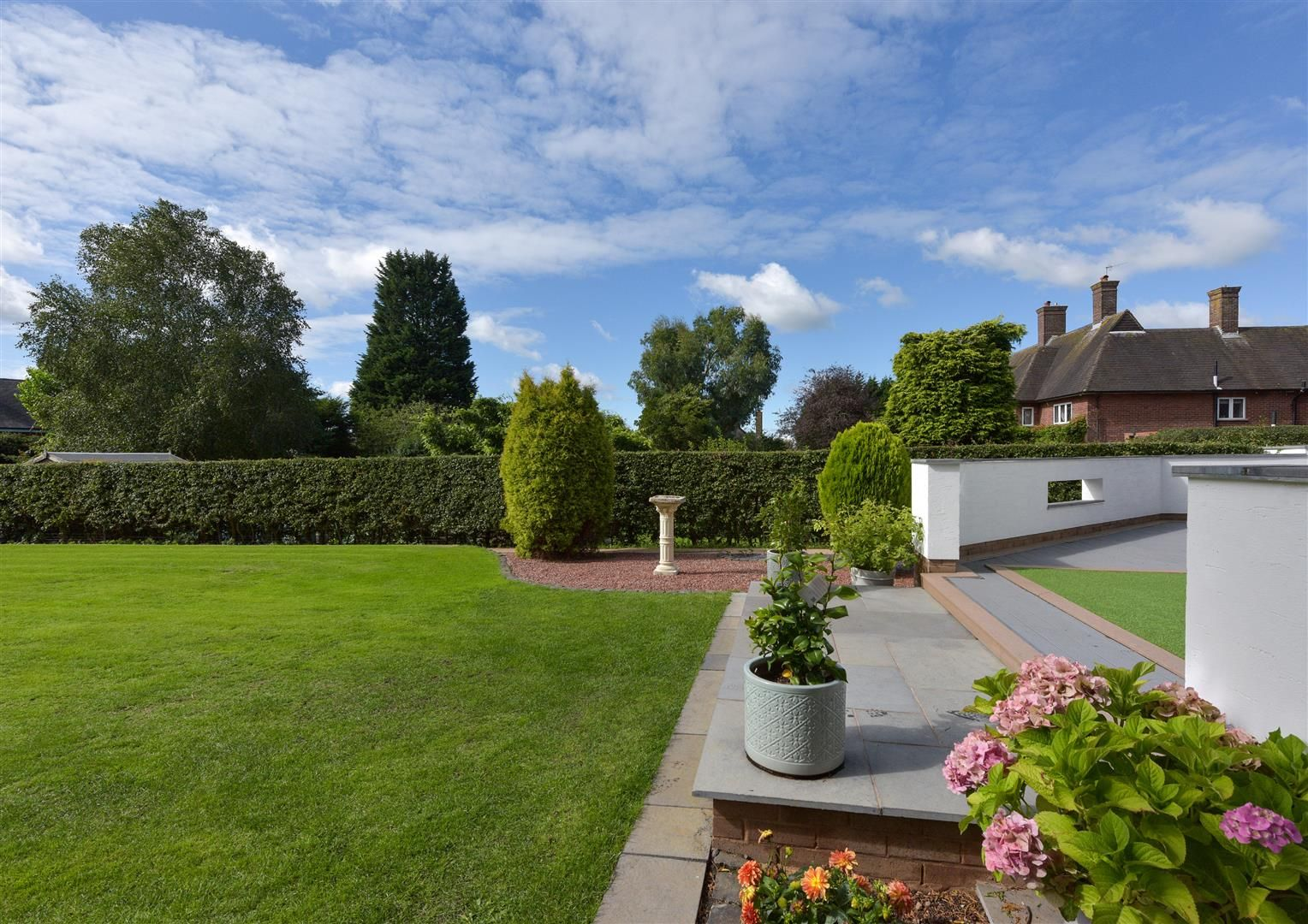 6 bed detached for sale in Hagley 12