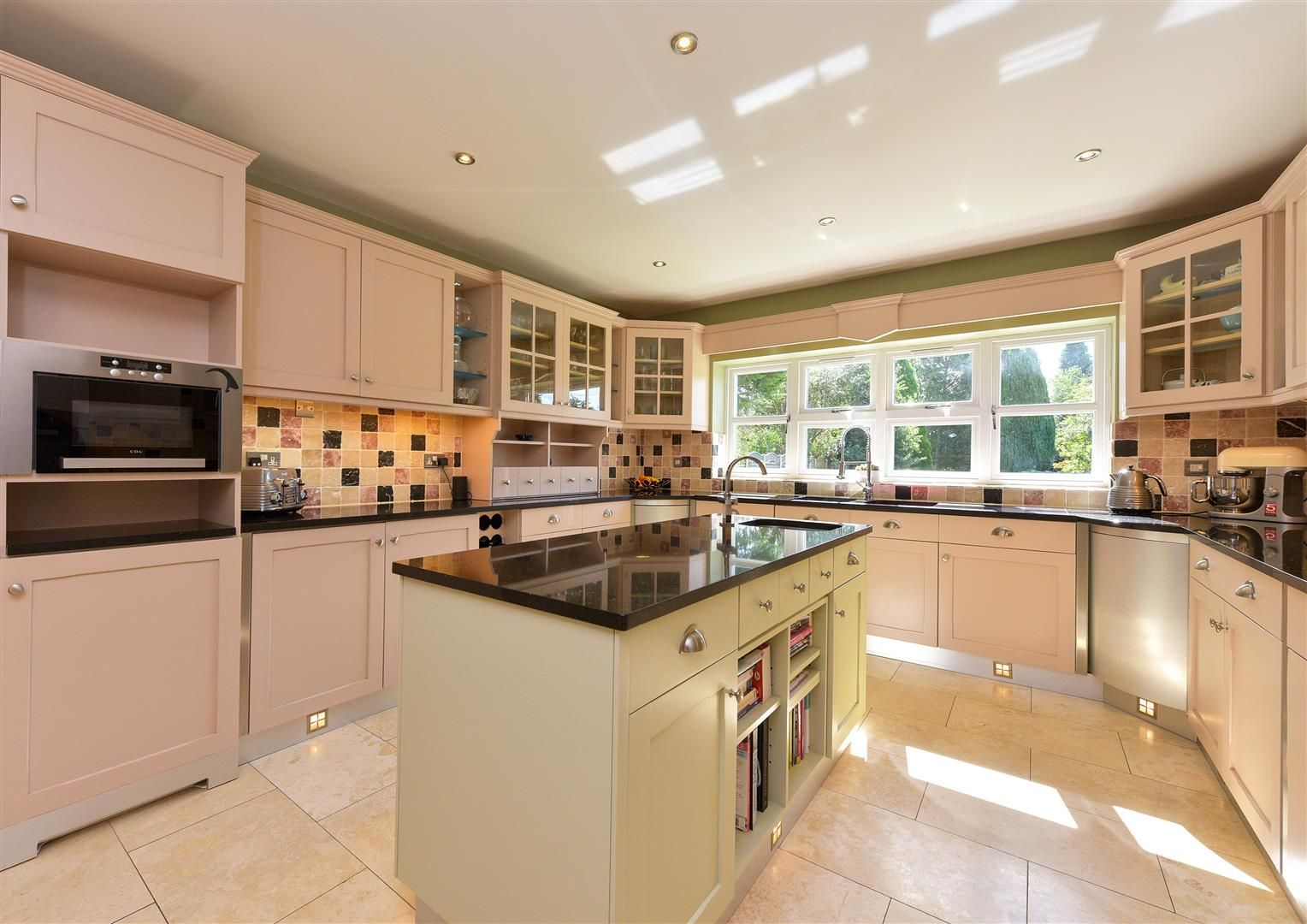 6 bed detached for sale in Hagley 13
