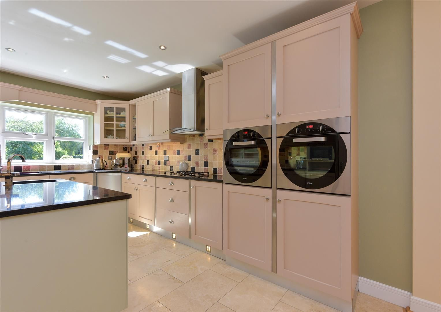 6 bed detached for sale in Hagley 14