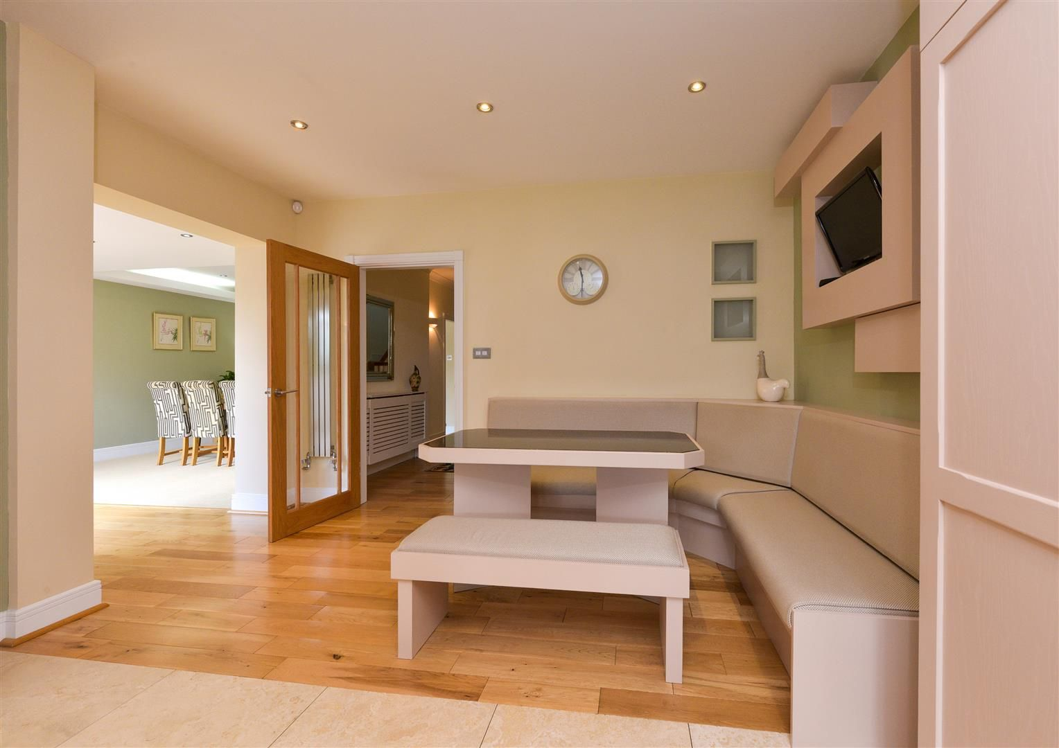 6 bed detached for sale in Hagley 15
