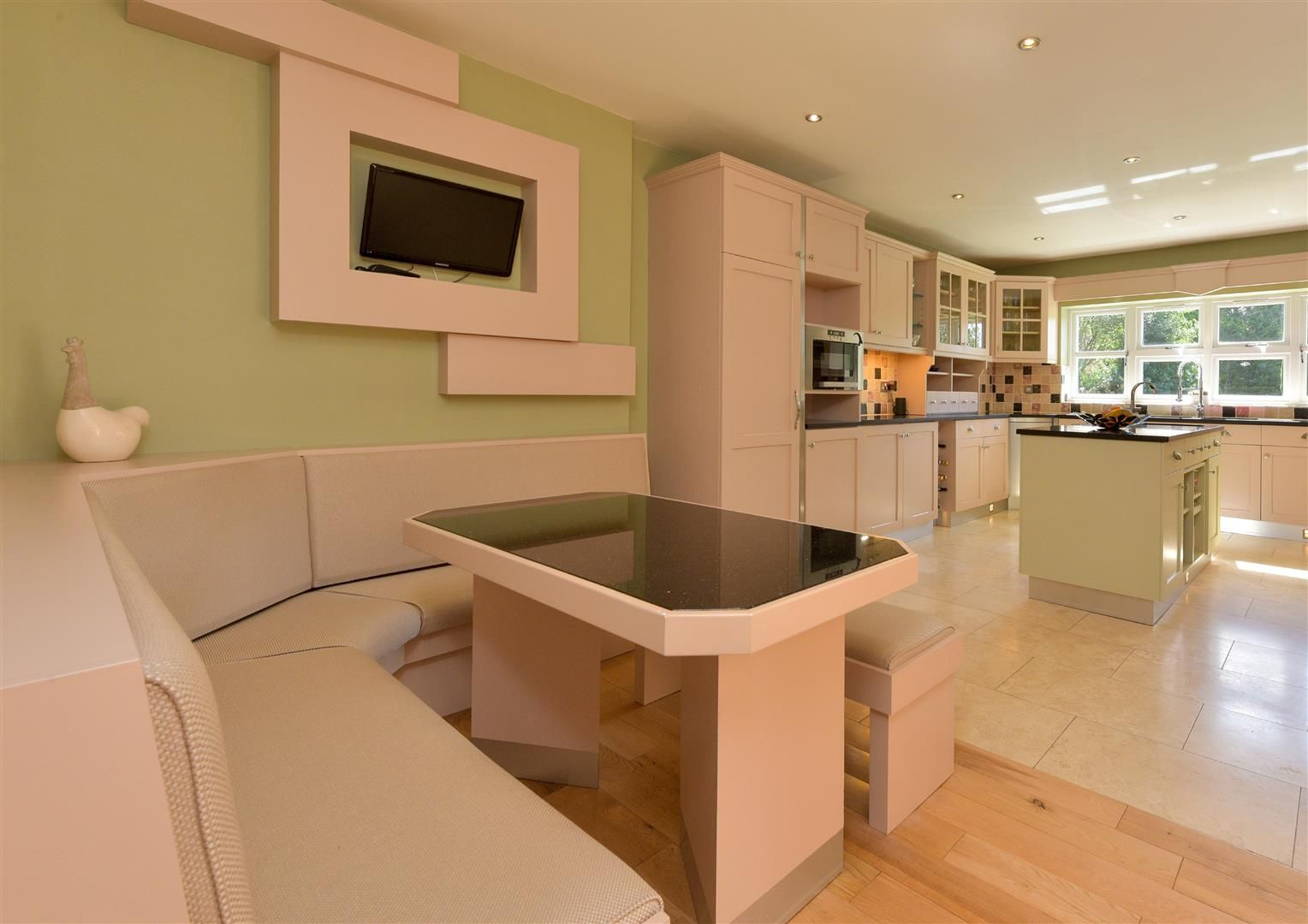 6 bed detached for sale in Hagley 16