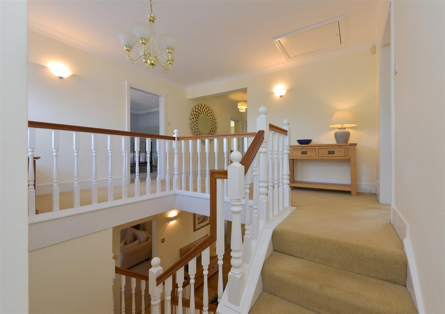 6 bed detached for sale in Hagley 17
