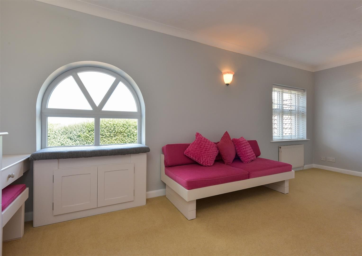 6 bed detached for sale in Hagley 24