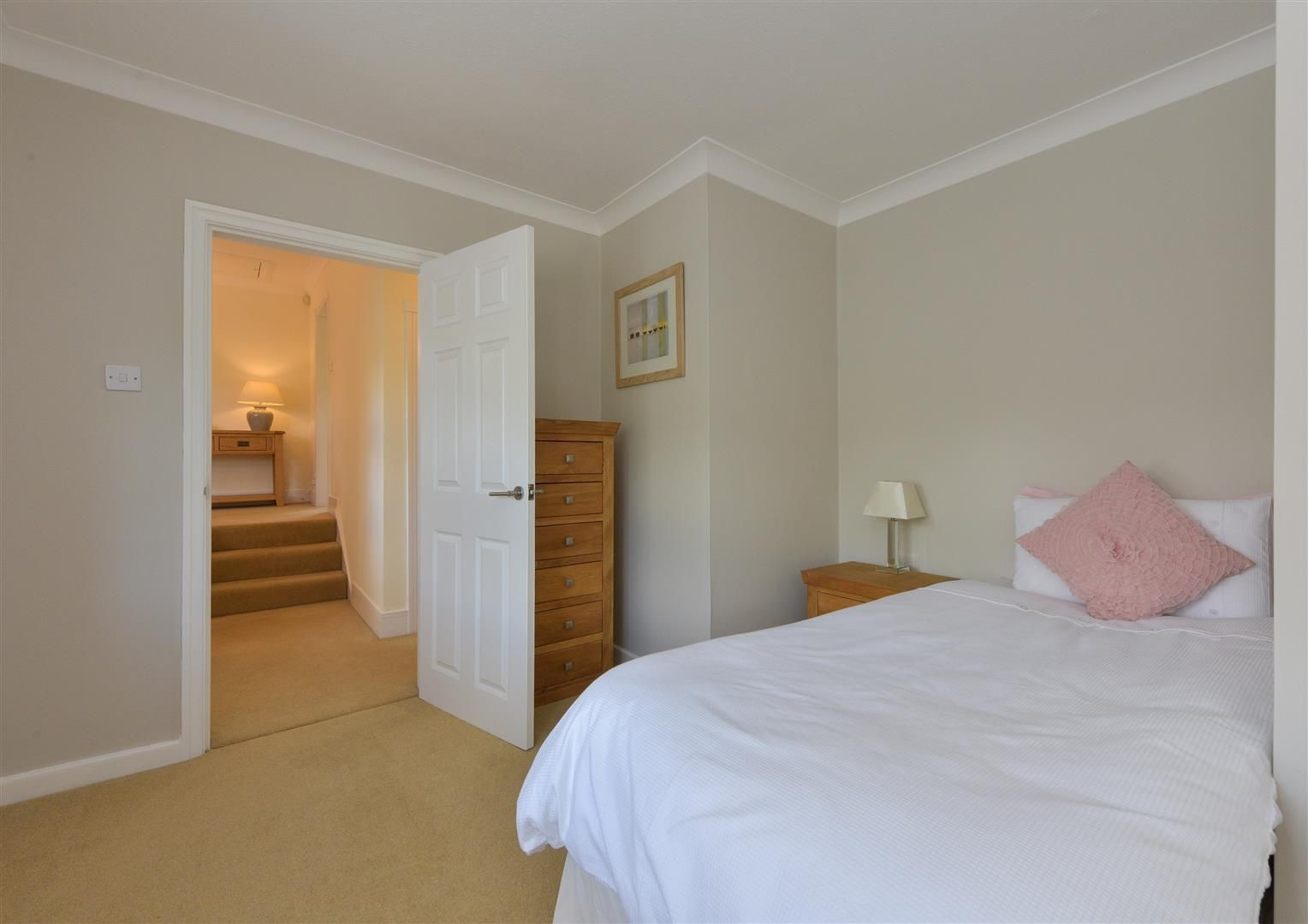 6 bed detached for sale in Hagley 27