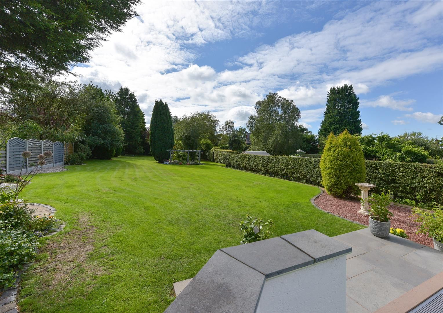 6 bed detached for sale in Hagley 4