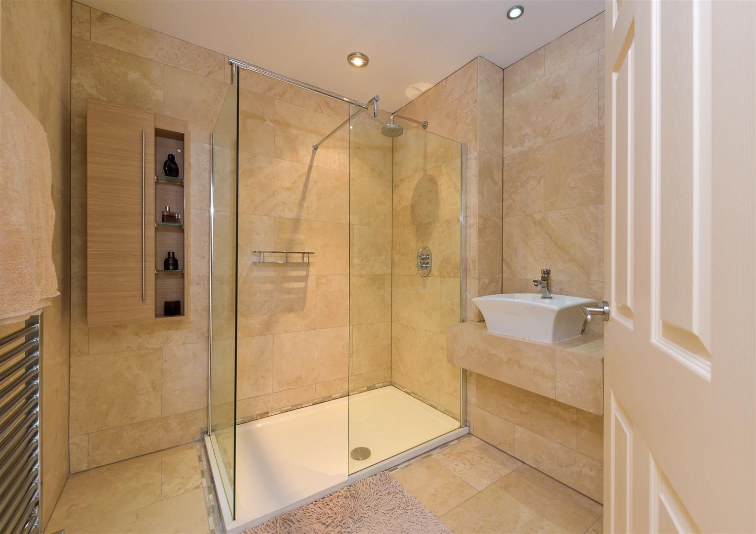6 bed detached for sale in Hagley 34