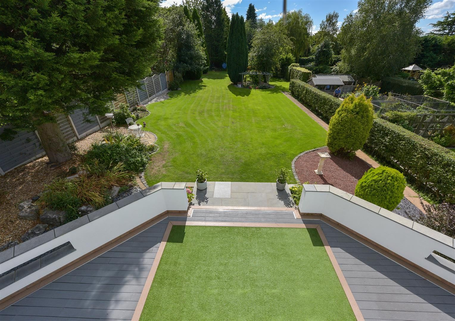 6 bed detached for sale in Hagley 36