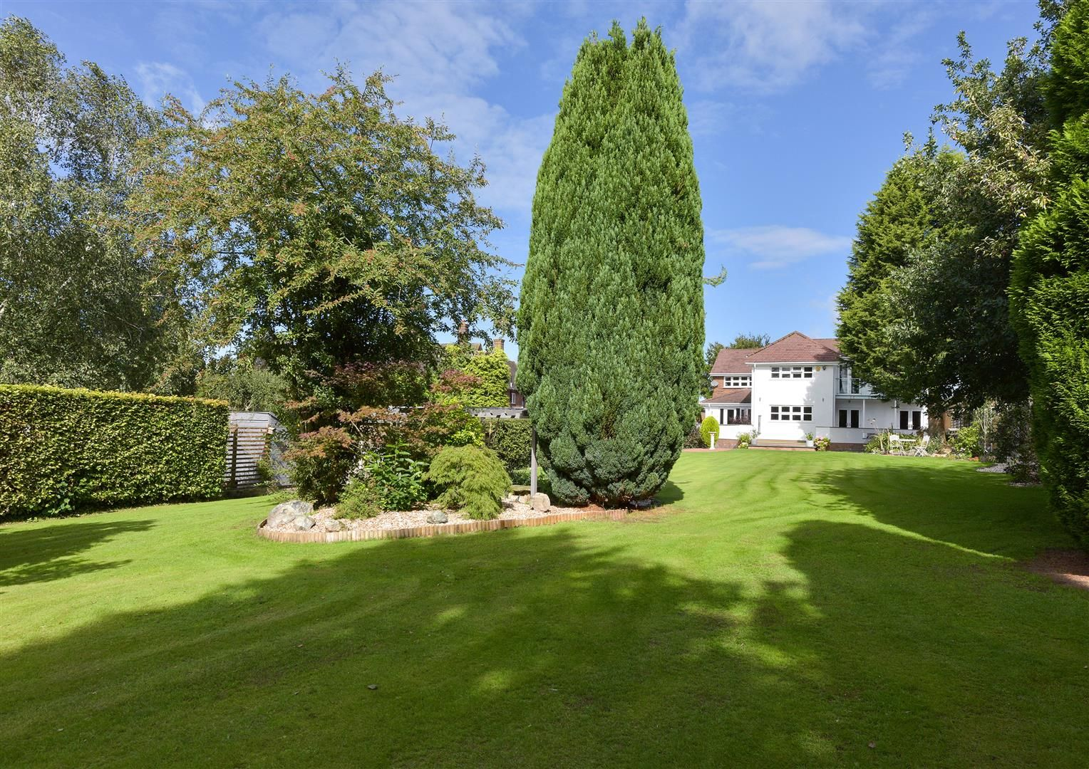 6 bed detached for sale in Hagley 39