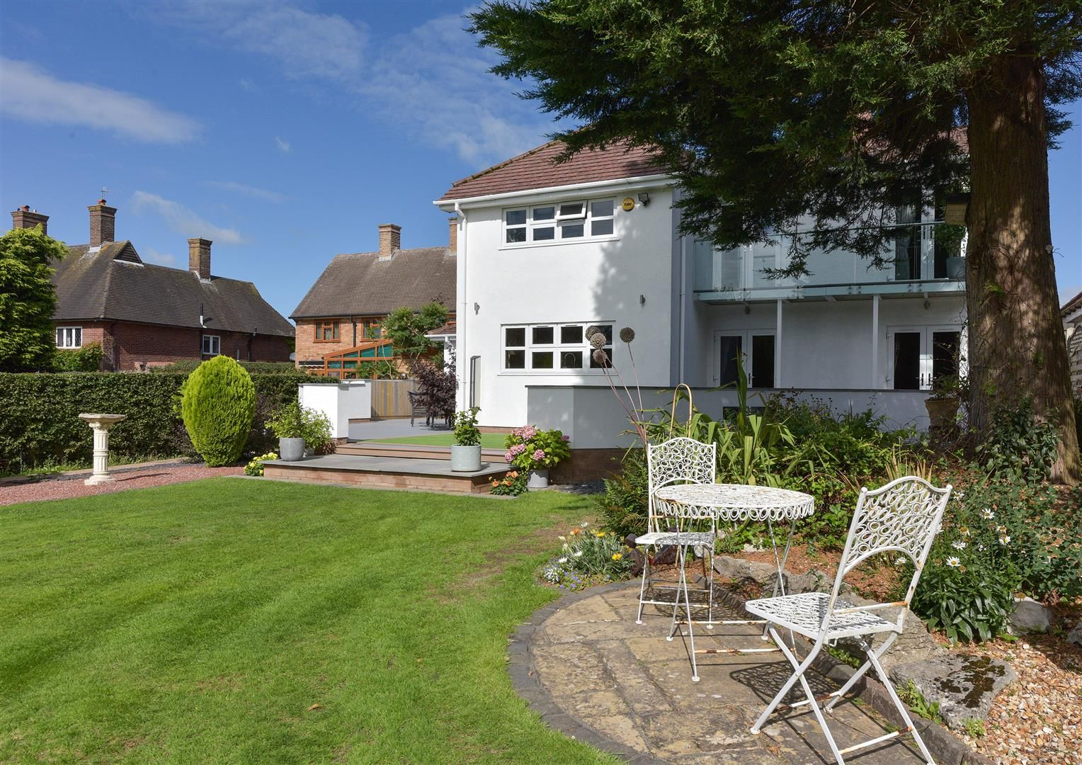 6 bed detached for sale in Hagley 43