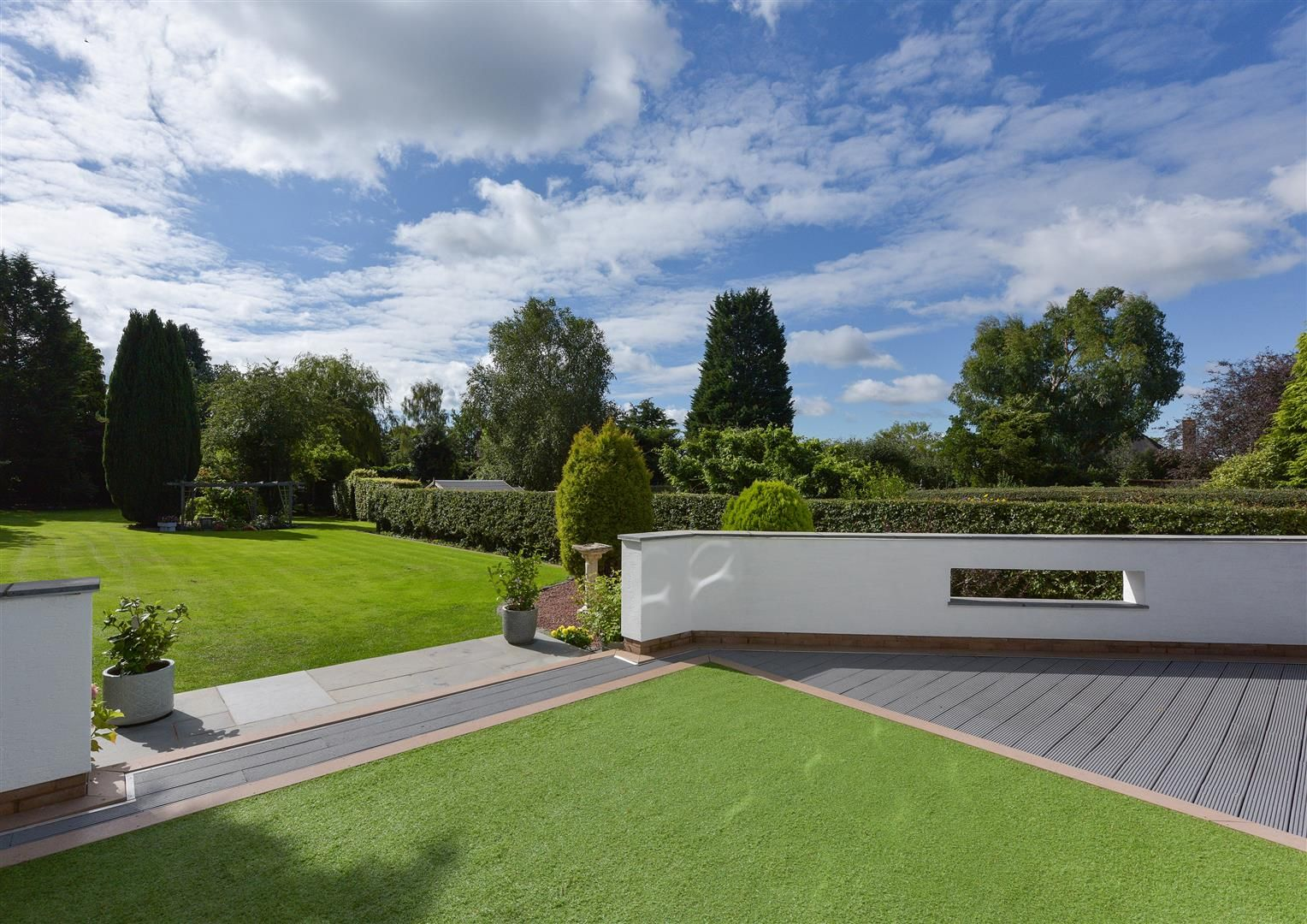 6 bed detached for sale in Hagley 44