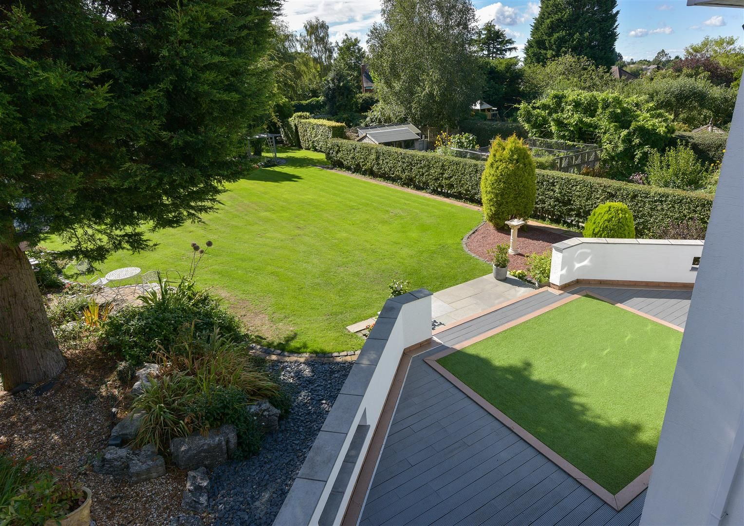 6 bed detached for sale in Hagley 45