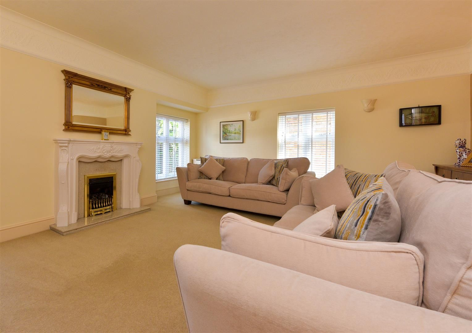 6 bed detached for sale in Hagley 9