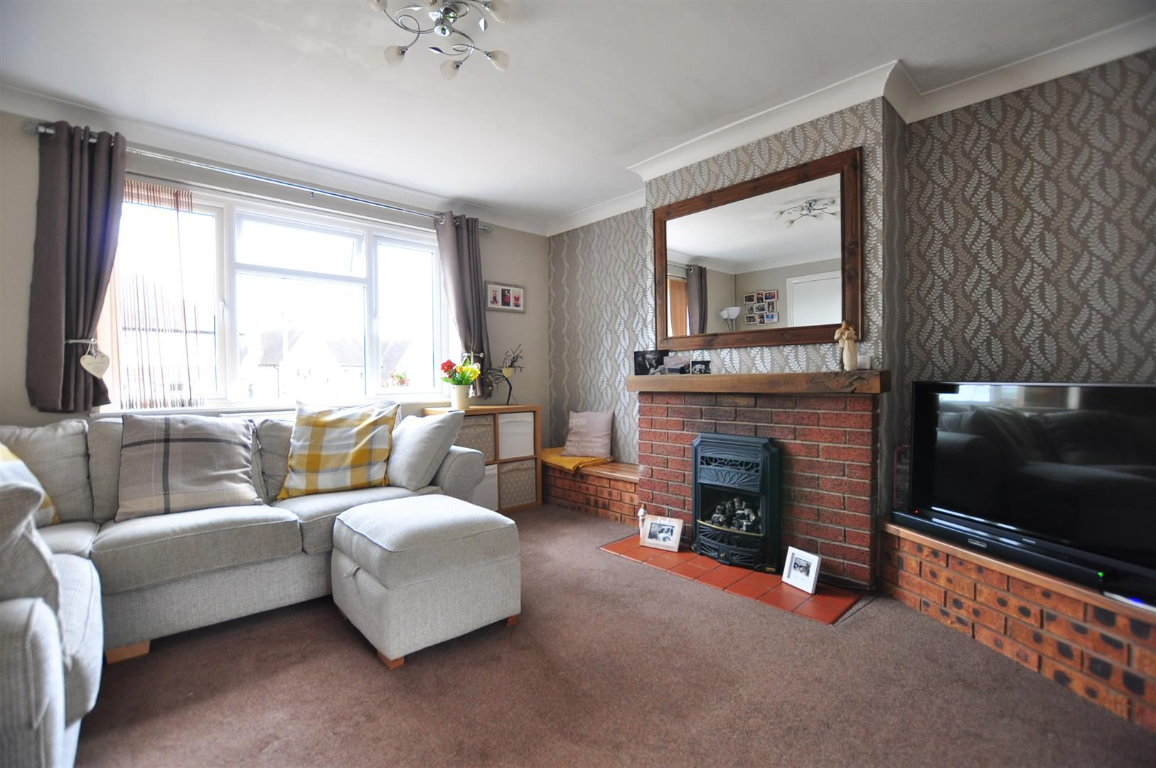 3 bed semi-detached for sale in Romsley  - Property Image 2