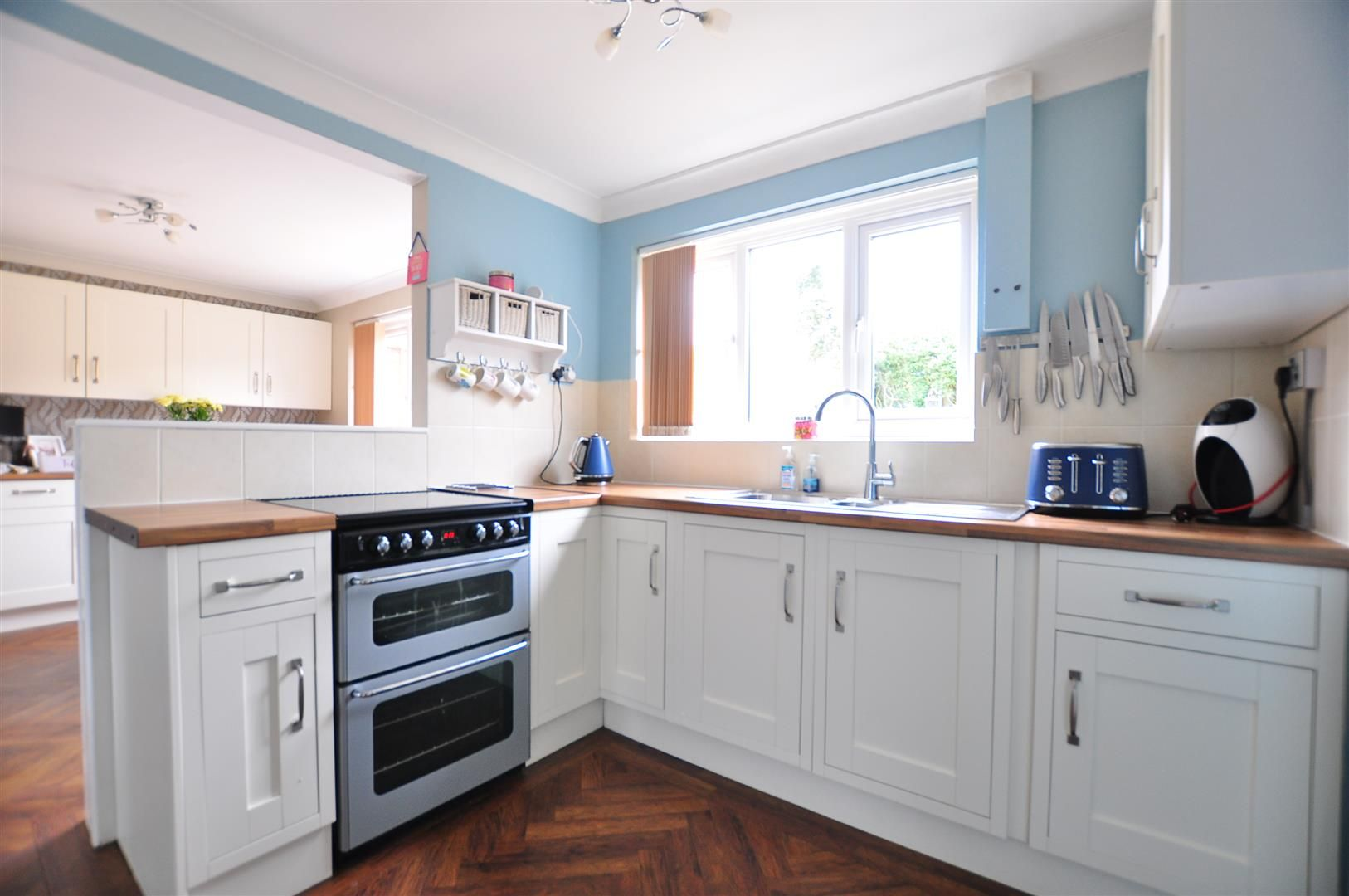 3 bed semi-detached for sale in Romsley 7