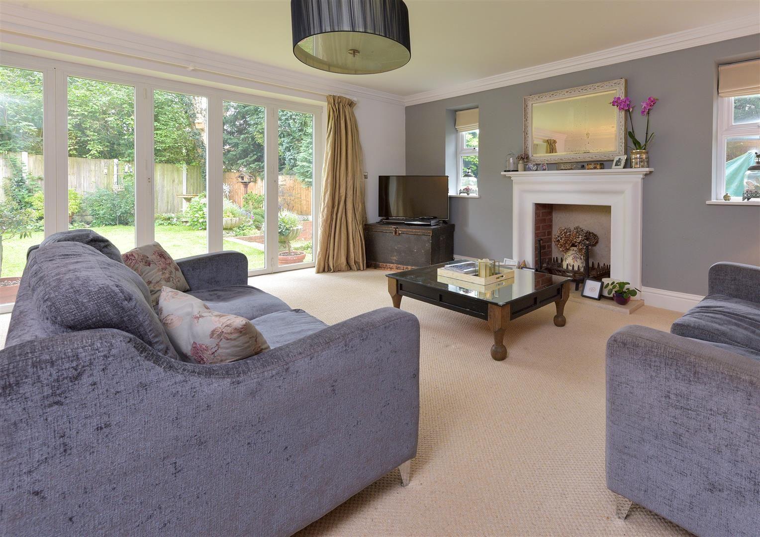 6 bed detached for sale in Kinver  - Property Image 4