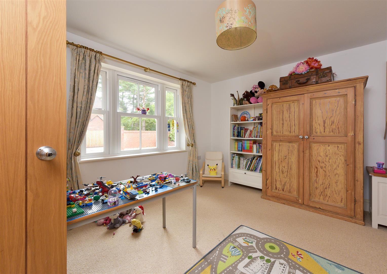 6 bed detached for sale in Kinver 7
