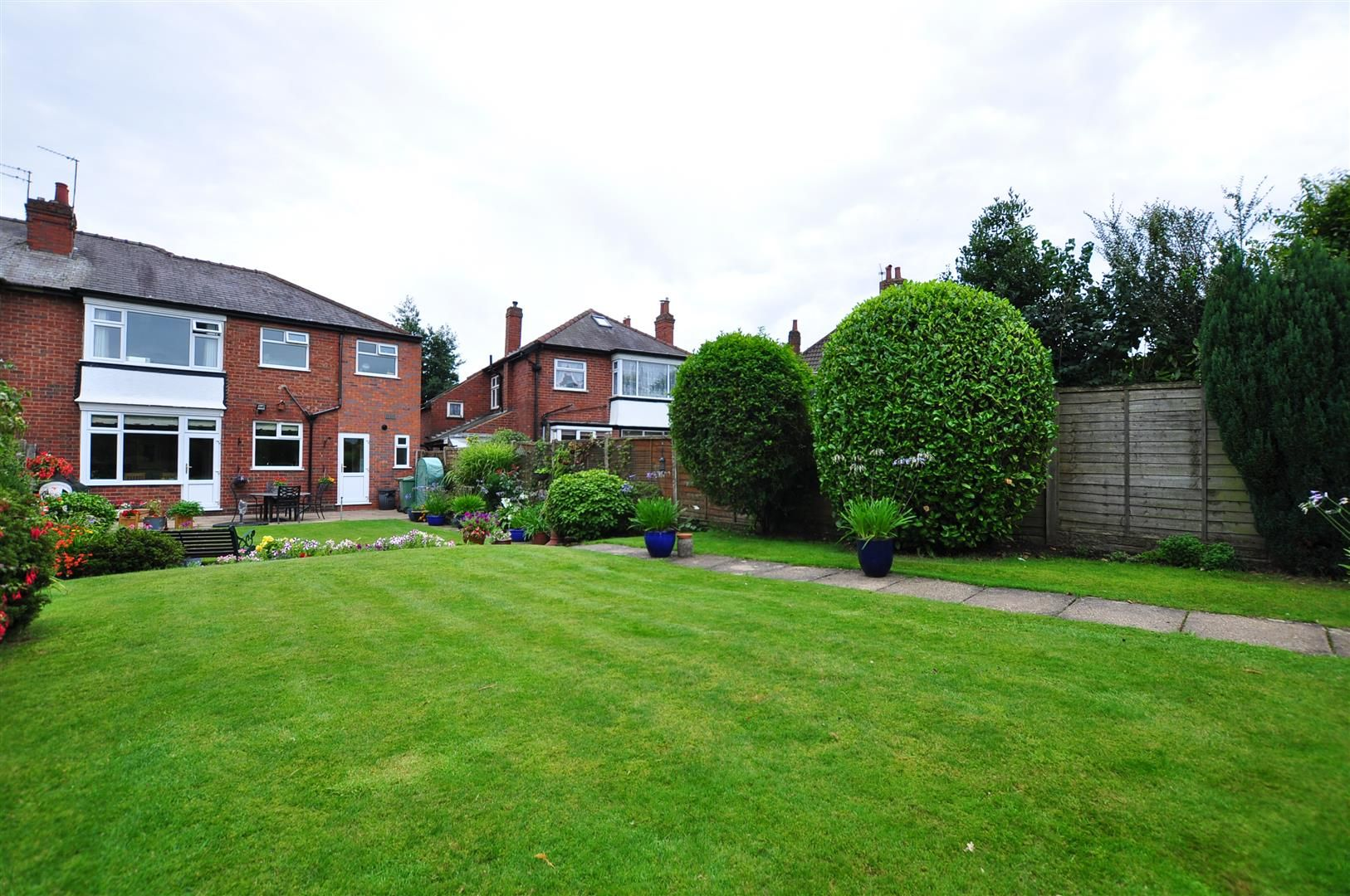 4 bed semi-detached for sale 24