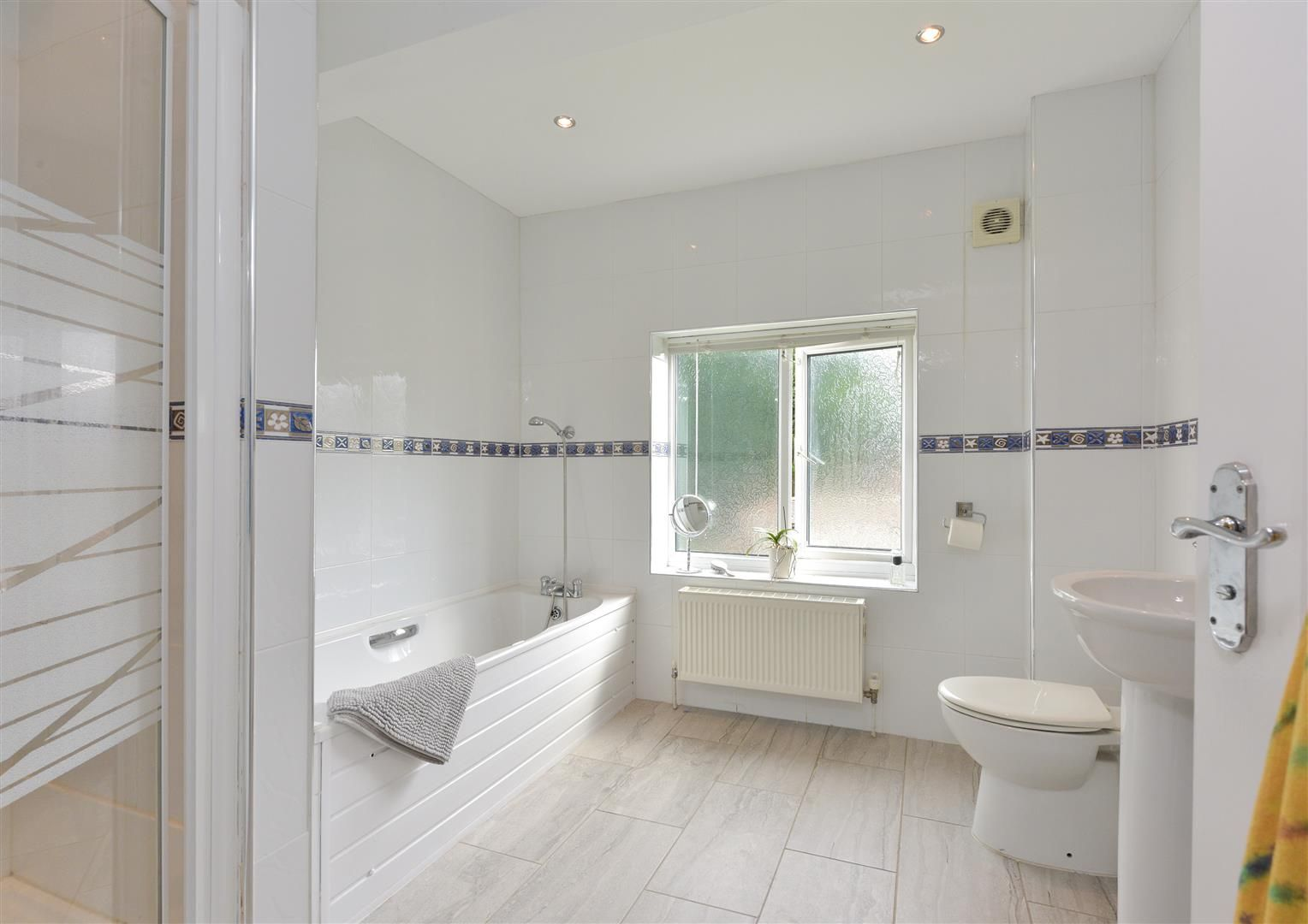 8 bed detached for sale  - Property Image 15