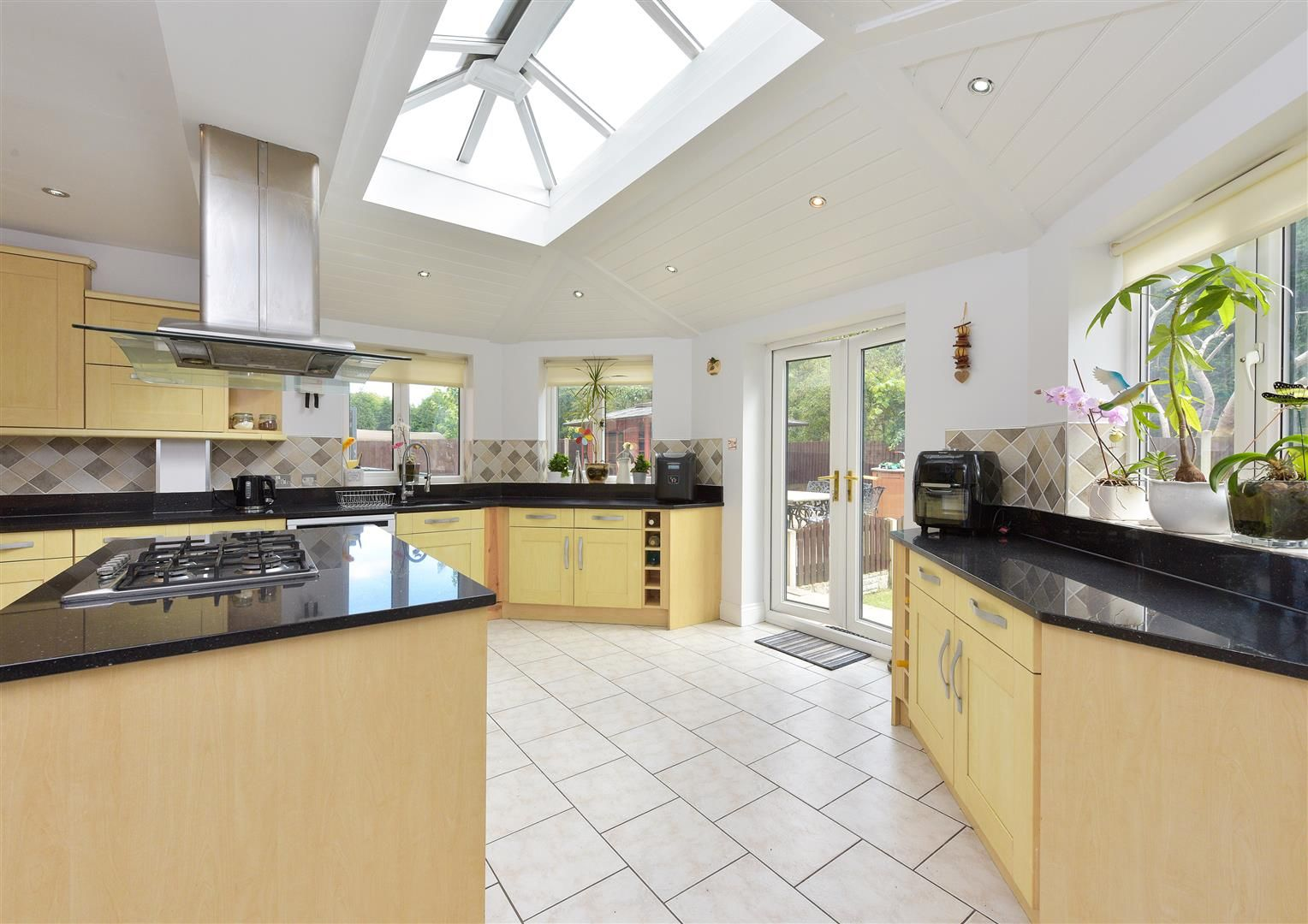 8 bed detached for sale  - Property Image 3